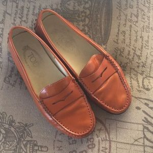 Tods orange driving shoes sz 5 penny loafer shoes